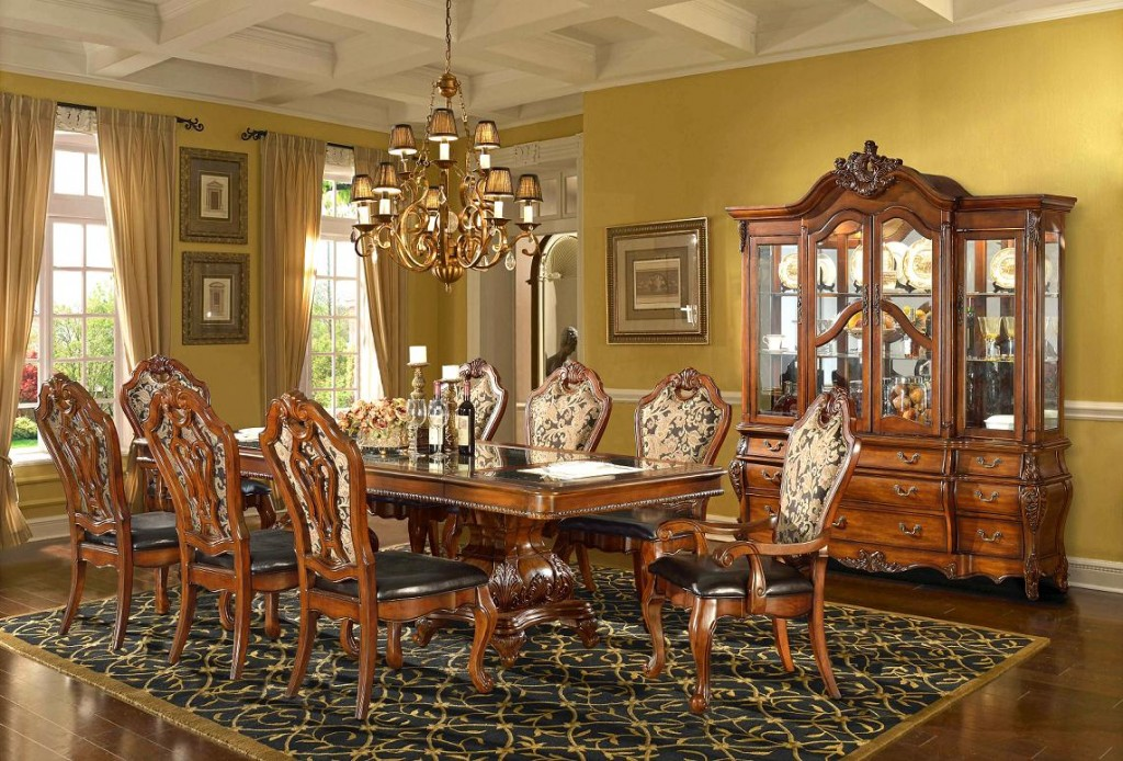 Fashionable home decor inspiration for furnishing your home for Traditional dining room decorating photos